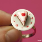 Raspberry_Cake_Ring_by_Hummingbird_Miniatures