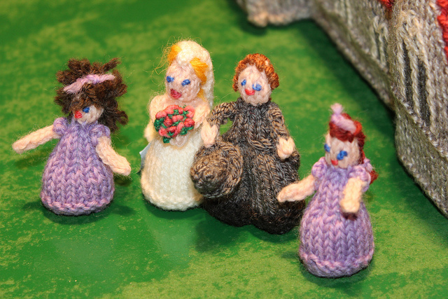 Knitted dolls by Loveknitting on flickr