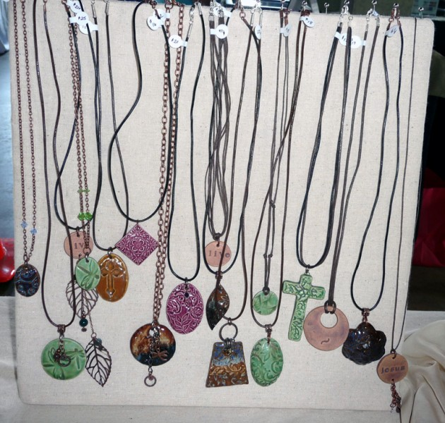 diy jewelry display ideas for craft shows diy standing necklace display for craft shows cotton 8056